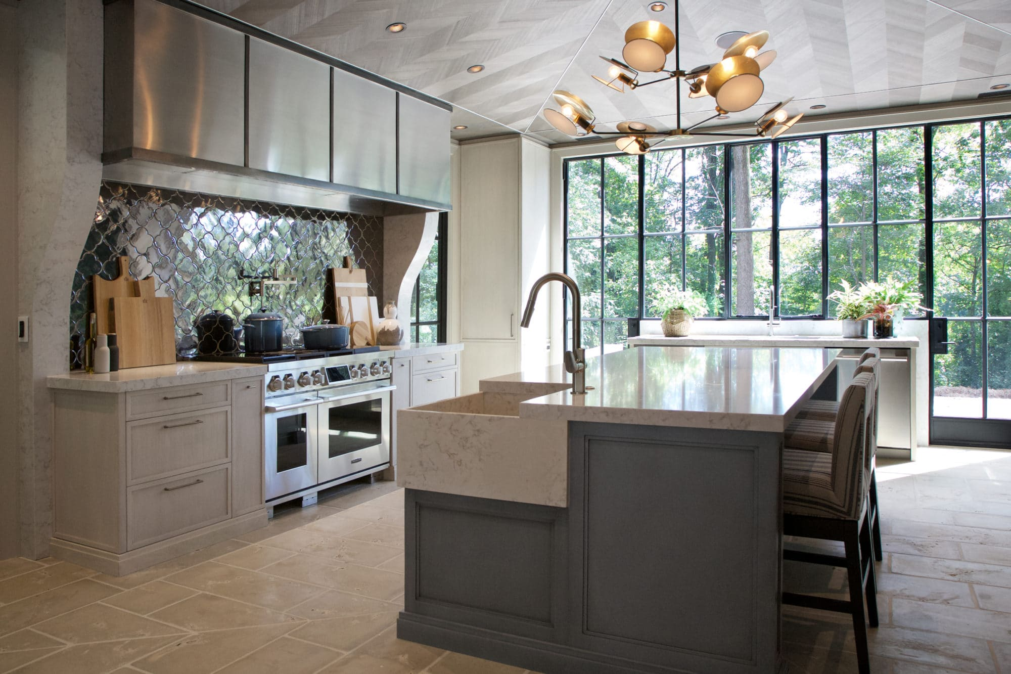 Swell White Quartz Countertops Will Enhance The Appeal Of Your Kitchen Complete Home Design Collection Lindsey Bellcom